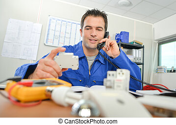 électricien, bureau