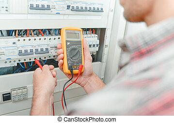 électricien, utilisation, multimètre