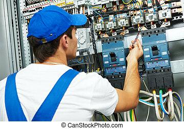 électricien, vérification, tension