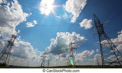 électrique, soleil, timelapse, -, contre, mâts, nuageux, grand, ciel