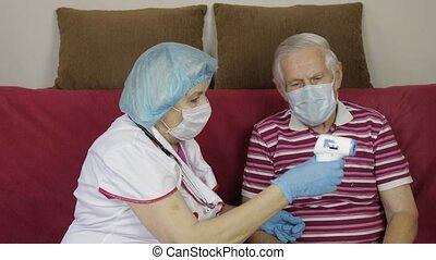 électronique, mesures, coronavirus, température, non-contact, malade, thermomètre, grandfather., infirmière