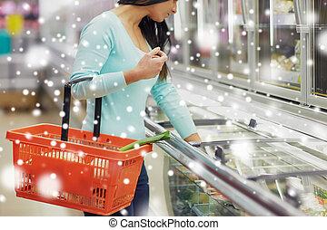 élelmiszerbolt, élelmiszer, mélyhűtő, bolt, kosár, vásárló