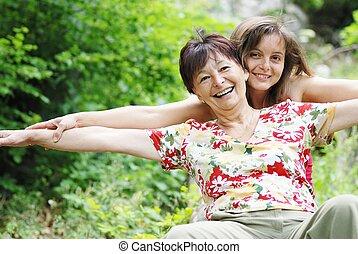 élet, lány, neki, anya, őt élvez, idősebb ember