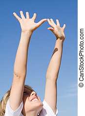 élevé, atteindre, détermination, bras, air, enfant, dehors