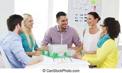 élevé, sourire, cinq, architectes, bureau