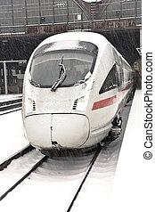 élevé, station, hiver, train, vitesse