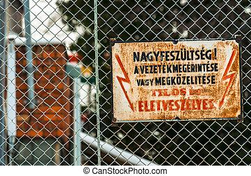 """élevé, voltage., """"keep, away"""", danger"""