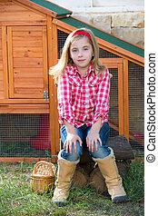 éleveur, poules, gosse, girl, propriétaire ranch, paysan,...