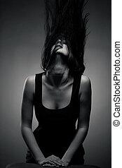 émotif, brunette, portrait