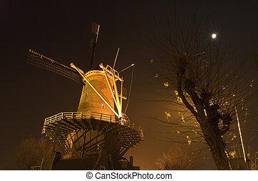 éolienne, nuit