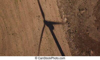 éolienne, terre, sur, cultivé, ombre, vue dessus