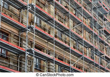 épület, állványzat, épület, -, történelmi, épülethomlokzat, helyreállítás, mindenfelé