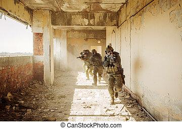 épület, ellenség, stormed, elfoglalt, csendőrök