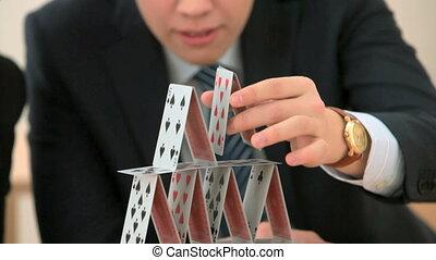 épület of kártya