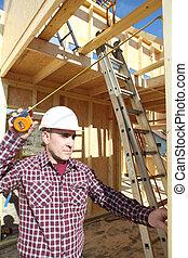 épület szerkesztés, alatt, brigádvezető