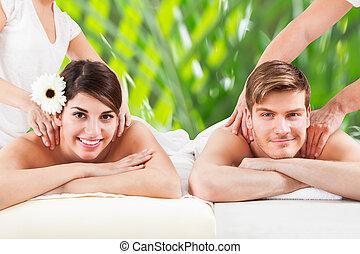 épaule, couple, jeune, spa, réception, masage, heureux