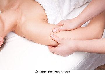 épaule, droit, point, femme, pression, thérapeute, deltoïde, muscle, masage