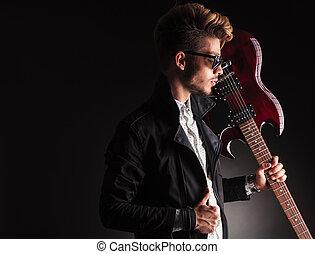 épaule, sien, électrique, guitariste, jeune, guitare, tenue, frais