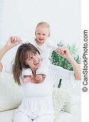 épaules, sien, mère, séance bébé