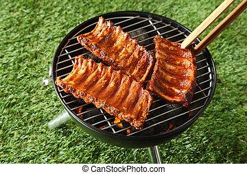 épicé, portions, grillade, épargner, nervure barbecue