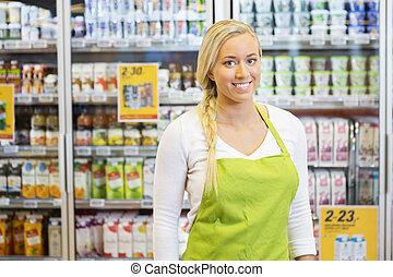 épicerie, ouvrier, confiant, femme, sourire, magasin