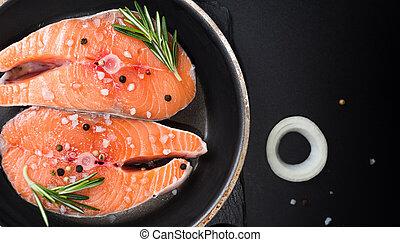 épices, sombre, 3, cru, oignons, bifteck, insaturé, oméga, concept, fond, romarin, pierre, graisses, régime, saumon