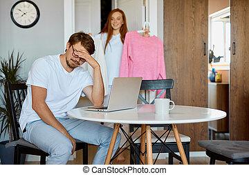 épouse, travail, lui, homme, sien, fatigué, distracts