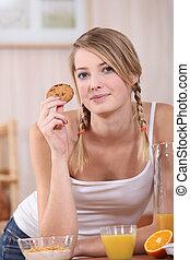 équilibré, puits, petit déjeuner, femme mange