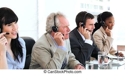 équipe, business, utilisation, ecouteurs, heureux