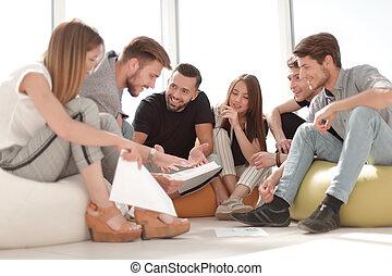 équipe, discuter, plan, business, jeune