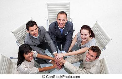 équipe, mains, business, sourire, ensemble