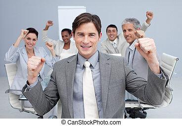 équipe, mains, sucess, business, haut, célébrer, heureux