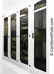 équipement, etagères, réseau