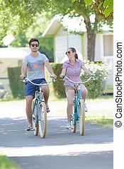 équitation, camping, vélo