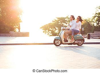 équitation, couple, jeune, scooter