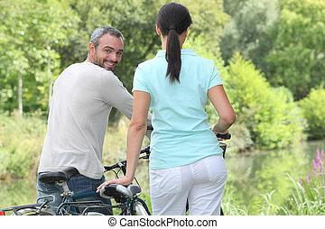 équitation, couple, vélos