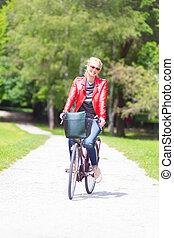 équitation, femme, jeune, bicycle.