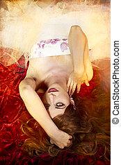érzéki, nő, noha, hosszú, piros szőr, fekvő, képben látható, egy, ágy, közül, menstruáció