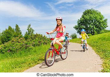 été, équitation vélo