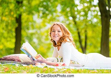 été, bon, parc, livre, rire, girl, herbe