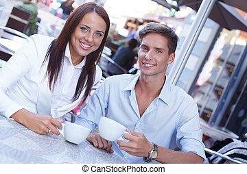 été, café, séance, couple, jeune, tasses