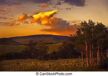 été, coucher soleil, montagne