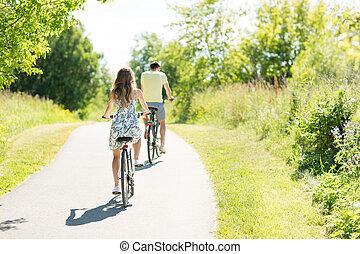 été, couple, bicycles, jeune, équitation