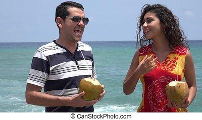 été, couple, jeune, vacances