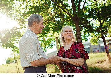 été, couple, park., personnes agées, gentil