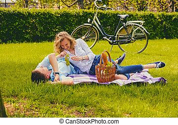 été, couple, park., pique-nique