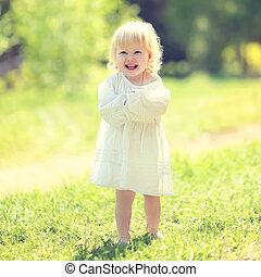 été, ensoleillé, avoir, enfant, amusement, herbe, jour