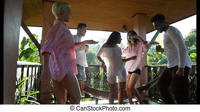 été, extérieur, groupe, danse, hommes, ensemble, gai, mélange, terrasse, course, dehors, amusement, femmes, amis, avoir, heureux
