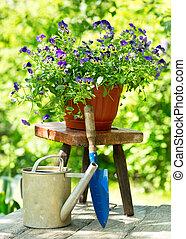 été, fleurs, outils, jardin