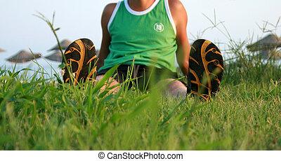 été, herbe, assied, volte-face, homme